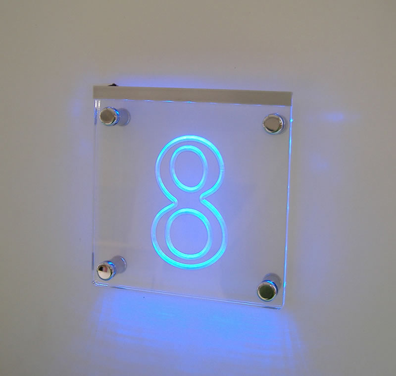 Targhe in plexiglass illuminazione con led distanziali - Targhe porta plexiglass ...